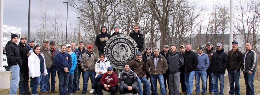 Lodge 128: Bernard Tompkins, Kevin Oates, Karrie Elms, Nickie Lawoie, Lauzon Gaetan, Chris Murphy, Jordan Power, Jason Keeping, David Sifft, Al Dempster, Doug Gale, Matt Mootrey, Christopher McKeown, Fran Guilherme, Kyle Tinney, Michael Burgin, Tanner Siebert and Joey Giroux. Lodge D366: David Lockhart, Guinn Schmalz, Stephanie Slater, Kip Davidson and Pierre Duguay. Lodge D387:Brian Longwell, Jason Bosiey, Jamie Lyons, Mike Gyde, Anthony Wojeiechowski and Jacots Found.